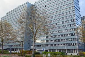 Gebäude des Bundesamtes für Wirtschaft und Außenkontrolle in Eschborn (Foto: Michael Frey, CC BY-SA 3.0)